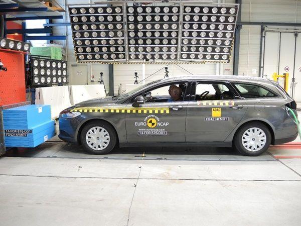El nuevo Ford Mondeo, mucho más seguro001