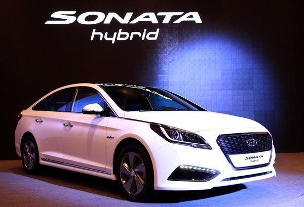 Hyundai lanza otro coche ecológico: Sonata Hybrid.001