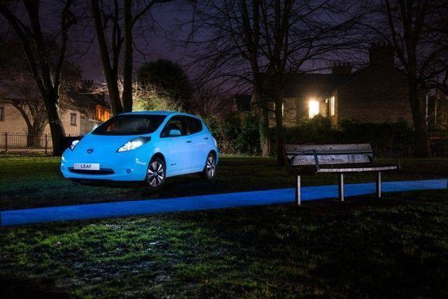 Nissan LEAF, el coche que brilla en la oscuridad.001