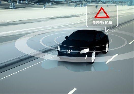 Los Volvo informarán del estado de la carretera por red móvil.001