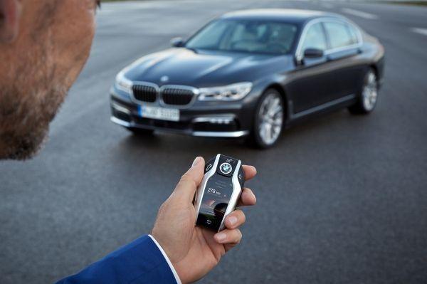 El nuevo BMW 7 estrena aparcamiento remoto001