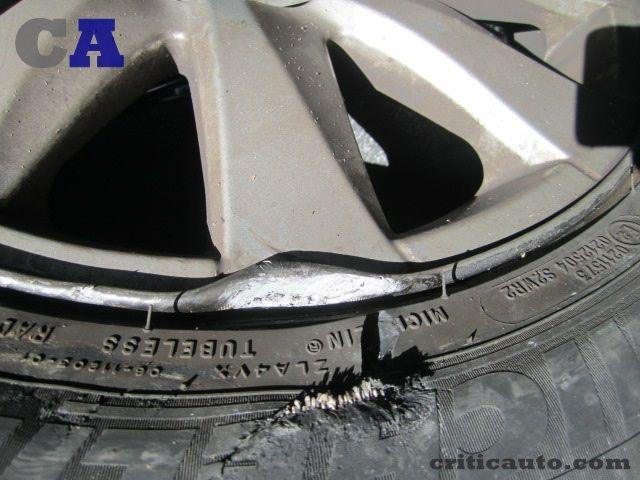 La compañía de seguros solo me paga un neumático001